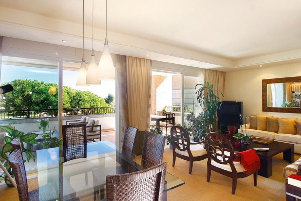 Sold: 3 Bedroom, 3 Bathroom Apartment in La Trinidad, Marbella Golden Mile
