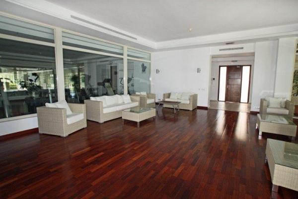 Sold: 2 Bedroom, 2 Bathroom Apartment in La Trinidad, Marbella Golden Mile