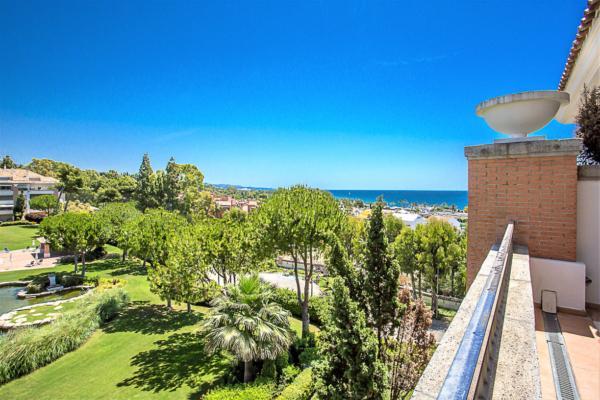 Sold: 3 Bedroom, 3 Bathroom Penthouse in La Trinidad, Marbella Golden Mile